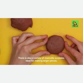 Modelling with SIO-2® ARGILA natural clay (English subtitles)